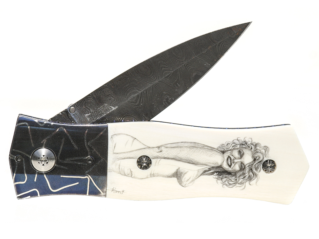 Beautiful Blonde Scrimshaw Knife